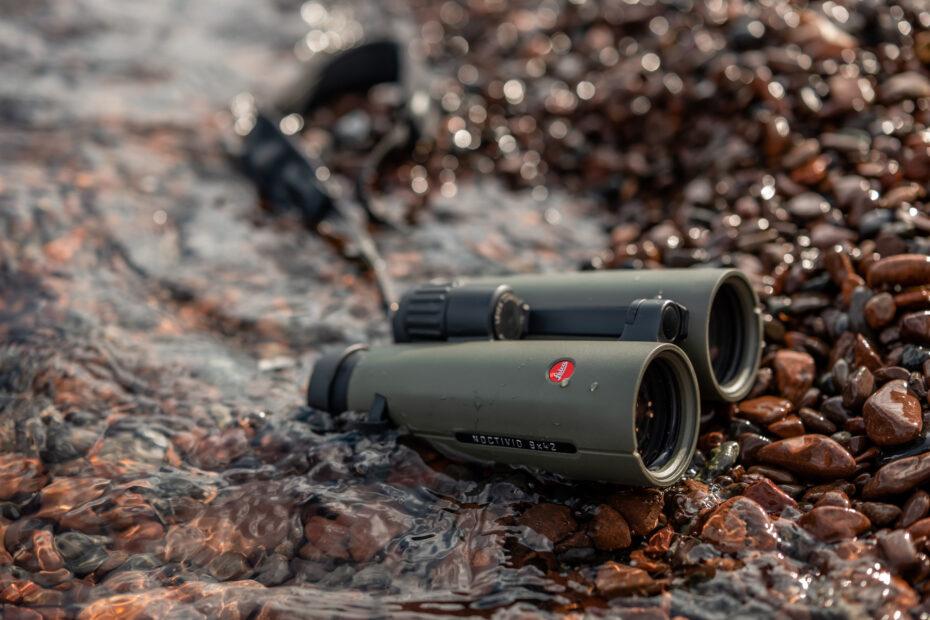 Leica binoculars in water