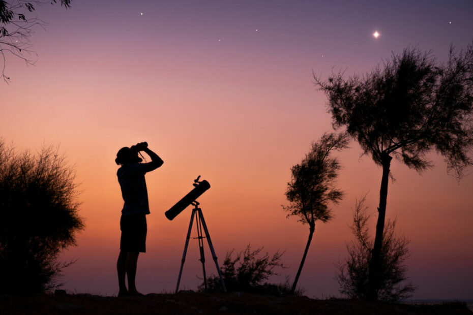 Why Must the Telescope be Focused at Infinity?